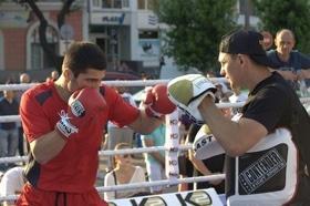 Фото 15 - Боксерский ринг в центре Черкасс (открытая тренировка 'K2 Promotions Ukraine')