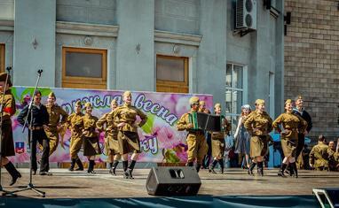"""""""Кружит весна 45-го года"""" – празднование Дня победы в Черкассах - фото 1"""
