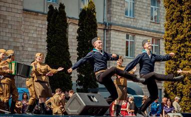 """""""Кружит весна 45-го года"""" – празднование Дня победы в Черкассах - фото 4"""