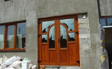 ТОВ Арка-плюс - Нестандартная дверь с выпуклыми стеклопакетами - фото 3