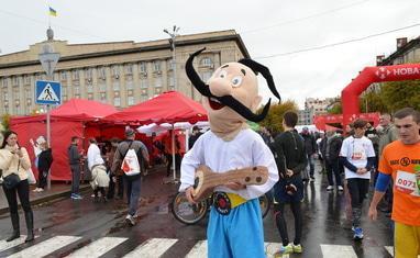 "Полумарафон ""New Run 2017"" в Черкассах - фото 3"