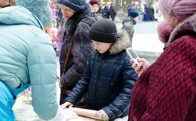 """Празднование Масленицы в парке """"Сосновый бор"""" - фото 1"""