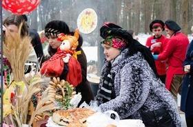Фото 4 - Празднование Масленицы в парке 'Сосновый бор'