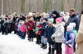 Фото 2 - Празднование Масленицы в парке 'Сосновый бор'