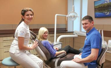 Сучасна Сімейна Стоматологія - Фото з пацієнтами - фото 1