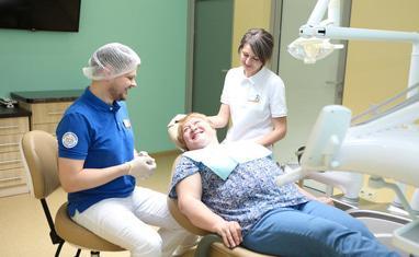 Сучасна Сімейна Стоматологія - Фото з пацієнтами - фото 3