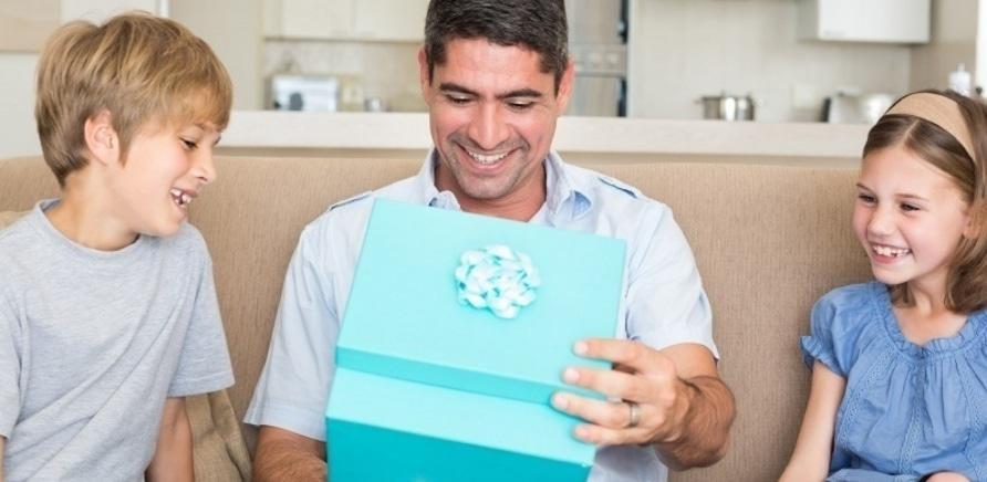 Что подарить на Новый год мужчине: актуальные идеи