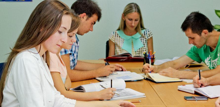 Общение с иностранцами существенно повышает шансы быстро овладеть английским языком