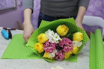 '8 марта' - статья Фрукты и аромамасла в цветах удивят женщин 8 марта