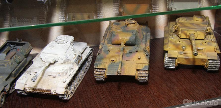 Колекція танків Петра Хорошко (фото — Art Photo Studio) - фото 1