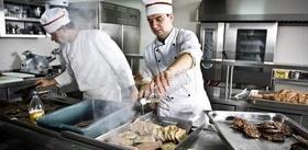 Статья 'Все на пикник: как приготовить вкусный шашлык?'