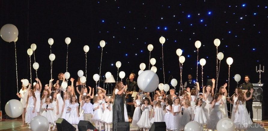 """Всеукраїнський тур """"Спасибо, мама"""" охоплює 60 українських міст і повторює маршрут, по якому Могилевська вирушила на перші гастролі в 1997 році з програмою """"Ла-ла-ла"""" - фото 3"""