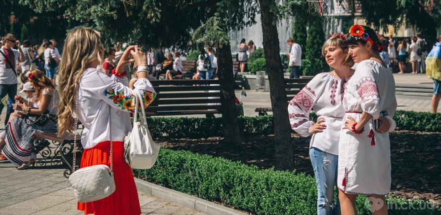 Фото 5 - В Черкассах шествие в вышиванках организовывают несколько лет подряд