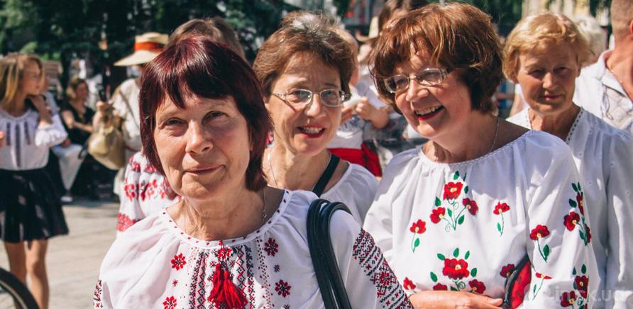 Фото 6 - В Черкассах шествие в вышиванках организовывают несколько лет подряд