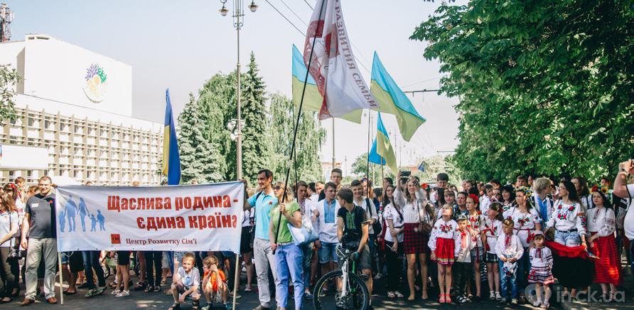 Фото 11 - В Черкассах шествие в вышиванках организовывают несколько лет подряд