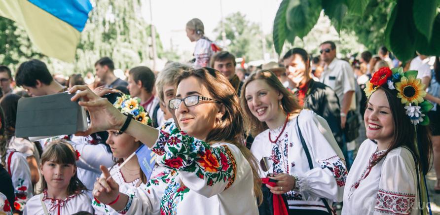 Фото 12 - В Черкассах шествие в вышиванках организовывают несколько лет подряд
