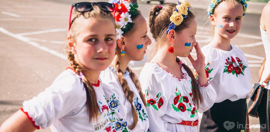 Фото 7 - Патриотическая акция призвана популяризировать национальную одежду и украинские традиции