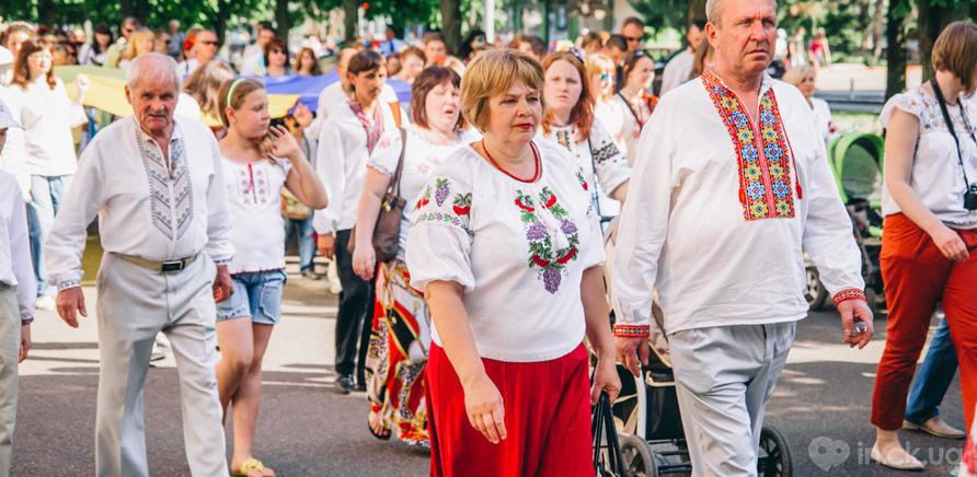 Фото 12 - Патриотическая акция призвана популяризировать национальную одежду и украинские традиции