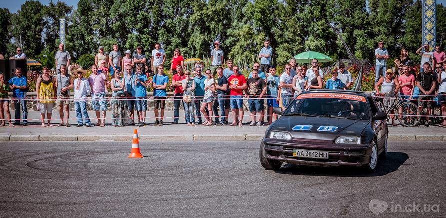 Фото 2 - В Черкассах состоялся первый этап национального автослалома