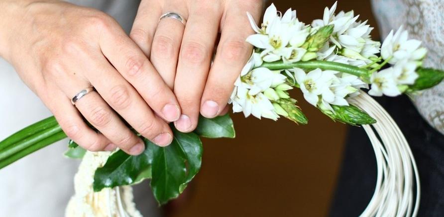 Фото 2 - Необычный свадебный веночек, созданный подругой невесты