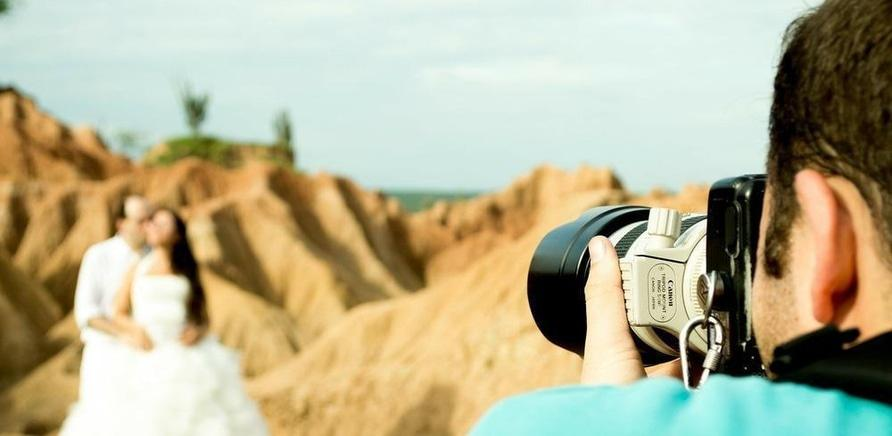 'Топ-7 незвичних фотомаршрутів: вдалі місця для весільних зйомок'