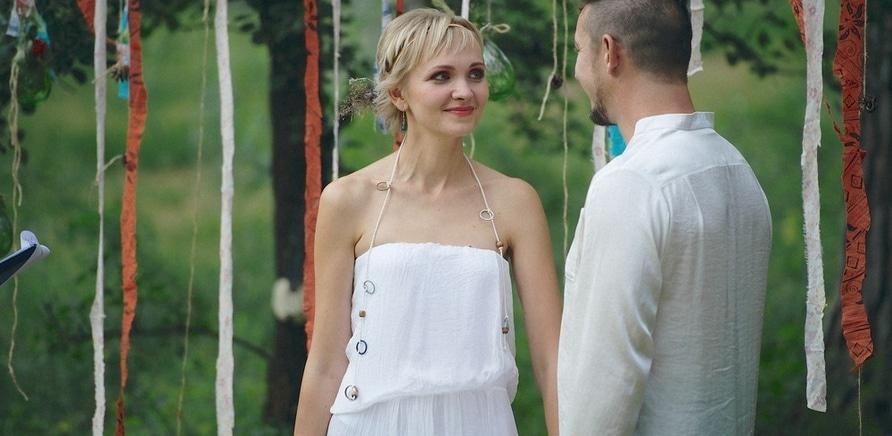 Фото 1 - Ольга Касьянова пригласила мужа на свадьбу