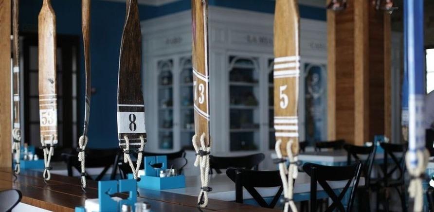 """Фото 3 - Интерьер ресторана """"Faro del Porto"""" на черкасском пирсе"""