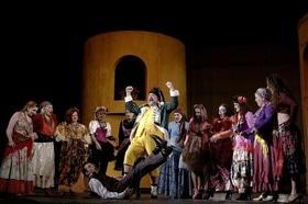 Стаття 'Черкаський театр відкриває новий сезон'