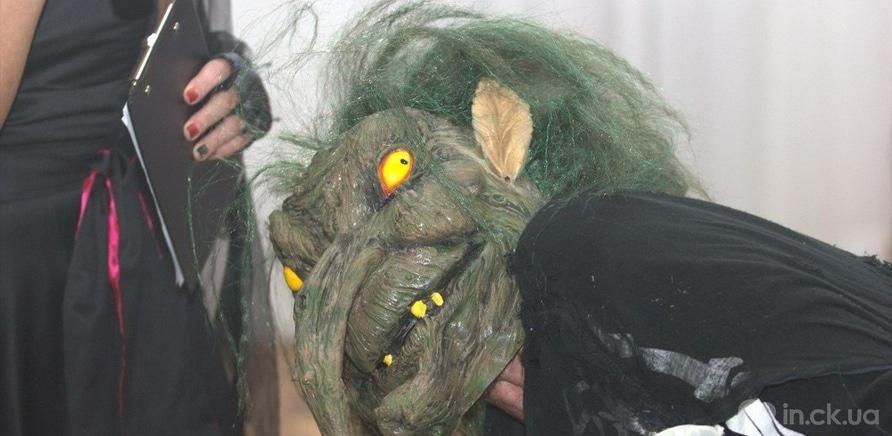 Фото 2 - Художественный музей заполнила хэллоуинская нечисть
