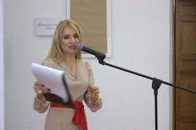 Стаття 'Відома співачка Ольга Горбачова презентувала черкащанкам фотовиставку'