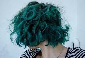 Статья 'Смелое решение: черкасщанки с необычным цветом волос и прической'