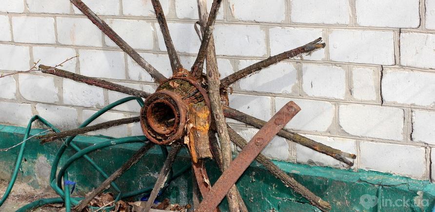 Фото 4 - Колесо від карети