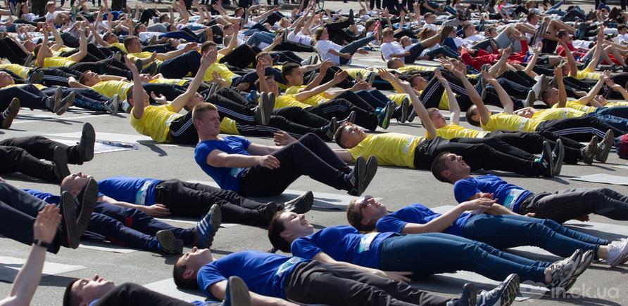 Фото 2 - Качай пресс: черкасщане установили новый спортивный рекорд Украины