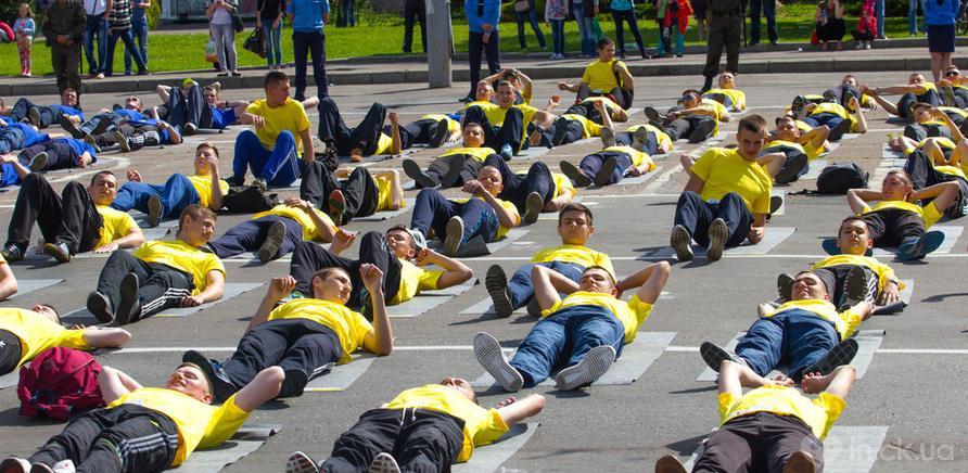 Фото 5 - Качай пресс: черкасщане установили новый спортивный рекорд Украины