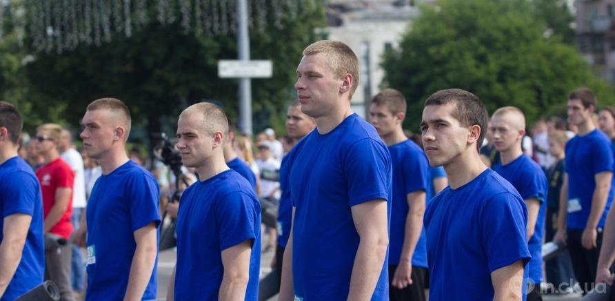 Фото 6 - Качай пресс: черкасщане установили новый спортивный рекорд Украины