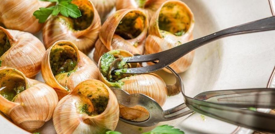 'Какие блюда нужно попробовать в черкасских ресторанах?'