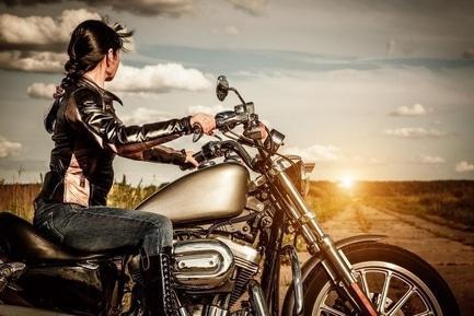 Статья 'Мотодрайв: черкасщанки за рулем байков'
