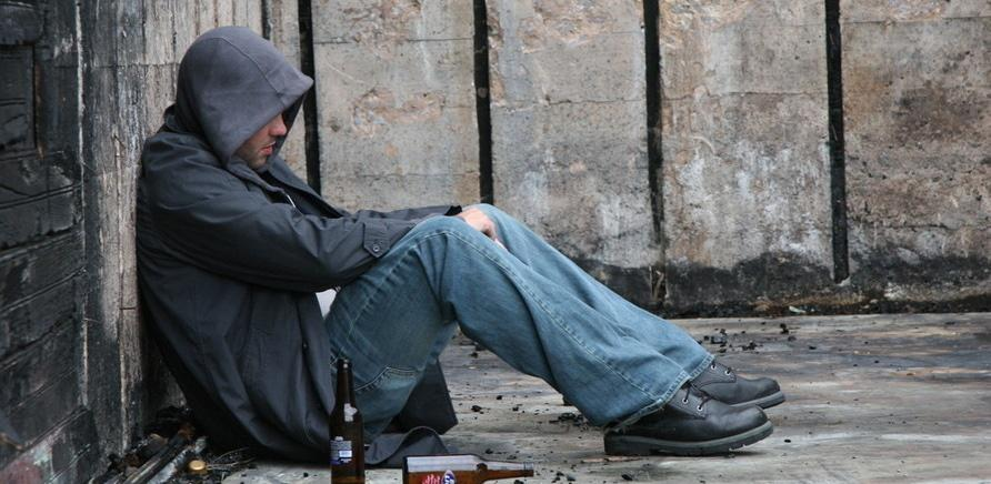 В плену у зависимости: как спасти своих близких от наркотиков и алкоголя