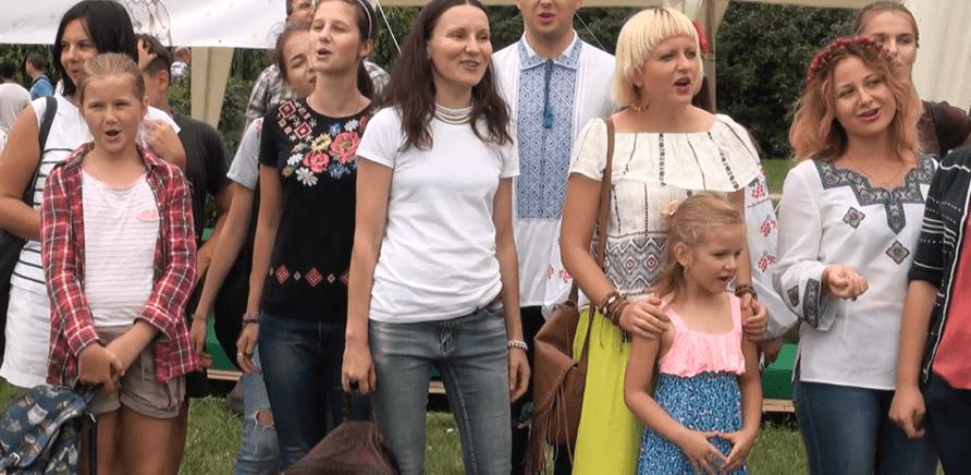 'В Черкассах провели первый в Украине флешмоб скороговорок'
