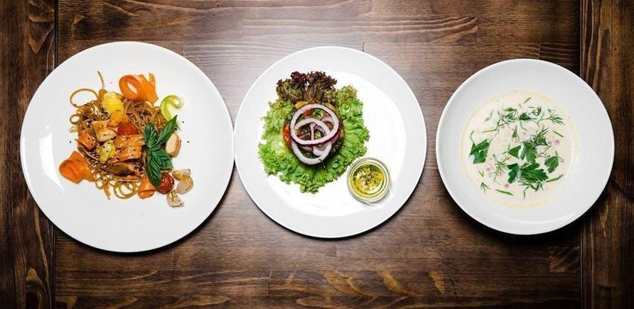 'Время обедать: куда пойти на бизнес-ланч в Черкассах?'