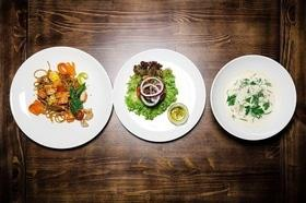 Стаття 'Час обідати: куди піти на бізнес-ланч у Черкасах?'
