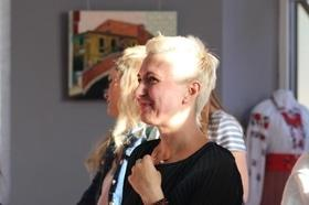 """Стаття 'Відома черкаська художниця показала публіці свої """"Прояви""""'"""