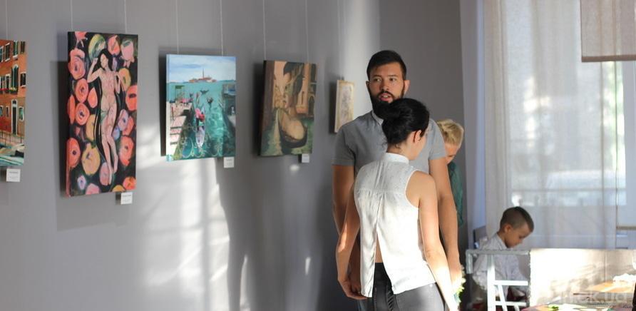 """Фото 4 - Відома черкаська художниця показала публіці свої """"Прояви"""""""