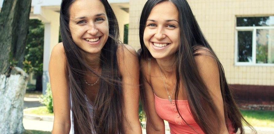 'Как две капли: близнецы из Черкасс рассказывают о своей схожести'