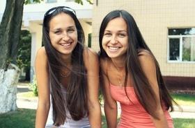 Статья 'Как две капли: близнецы из Черкасс рассказывают о своей схожести'