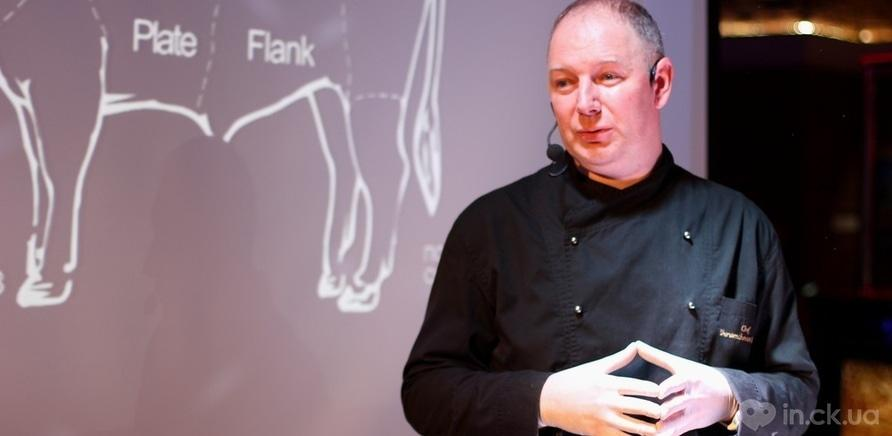 Фото 7 - Столичный бренд-шеф Юрий Шрамченко открыл черкасщанам тонкости приготовления мяса по технологии сю-вид