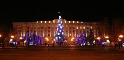 'Новый год 2017' - статья Новогоднюю елку в Черкассах украсят на 400 тысяч гривен