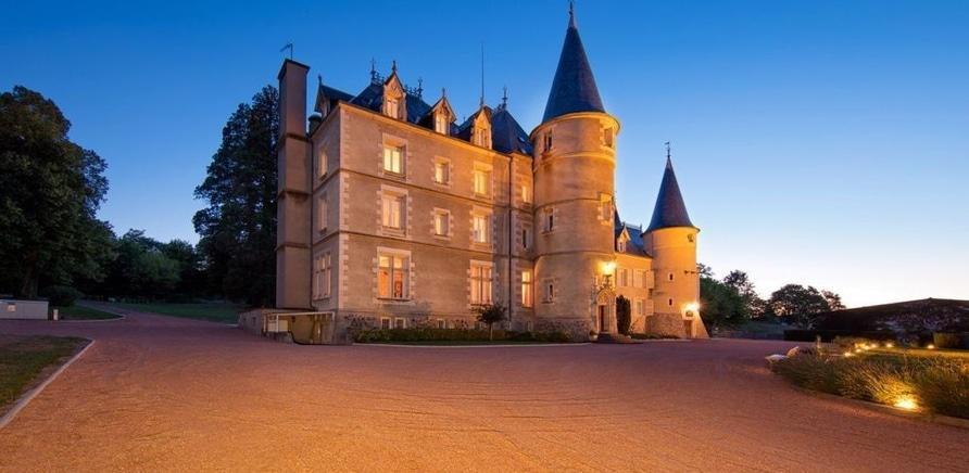 Фото 1 - Коттедж в Черкассах или замок во Франции: что дороже?