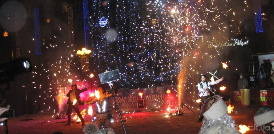Фото 4 - Главная елка Черкасс зажгла свои огни