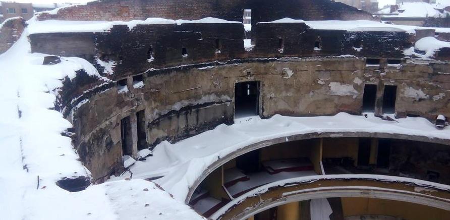 Фото 1 - Черкасский областной театр все еще без крыши